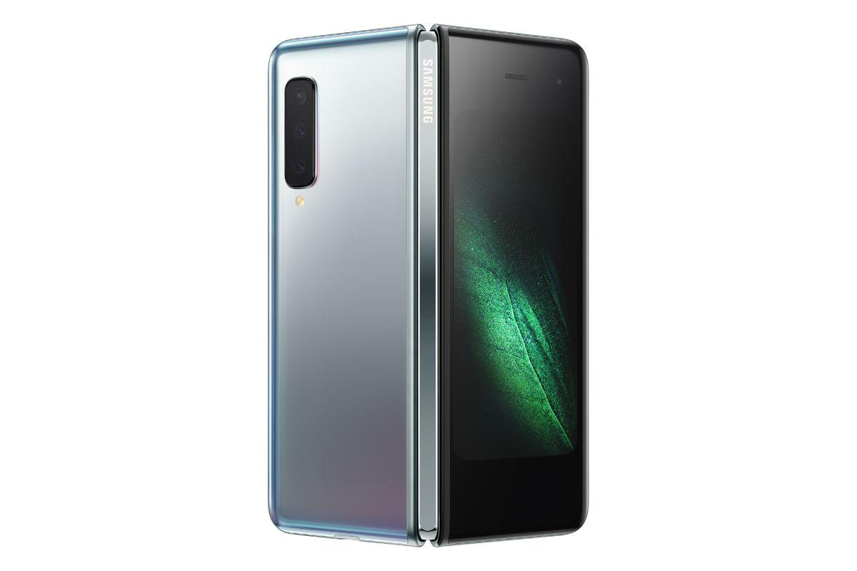 Samsung explica por qué la pantalla plegable del Galaxy se pliega hacia adentro