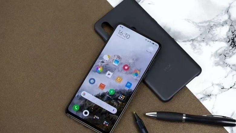 Xiaomi-Mi-MIX-3_07-w782