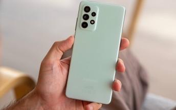 Lee más sobre el artículo Canalys: Samsung envió la mayoría de los teléfonos en el tercer trimestre, pero la escasez de chips provocó la caída del mercado